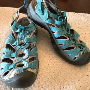 Keen sandals Sz 8 women's waterproof like new